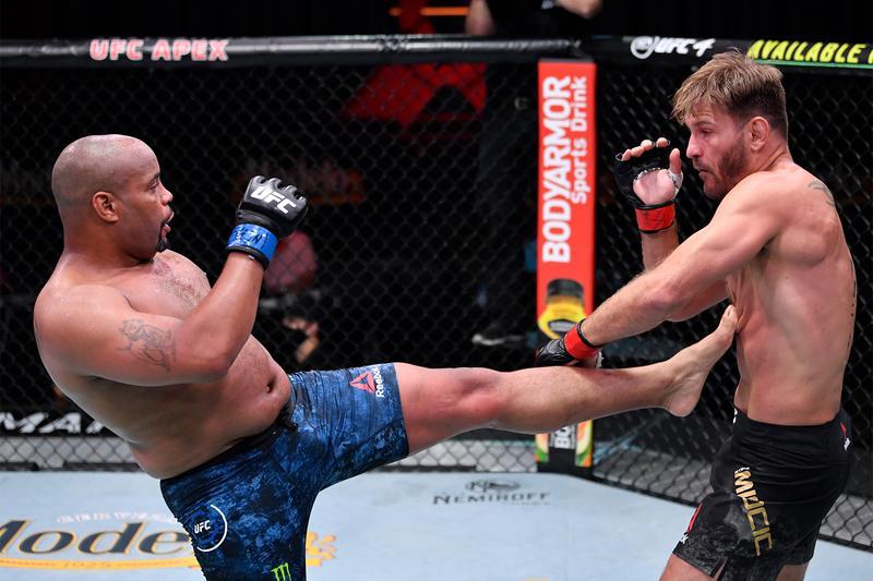 Ruckus UFC252